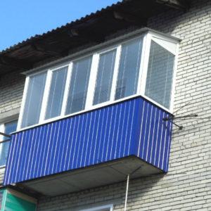 Остекление и отделка внутри балкона 3 метра под ключ