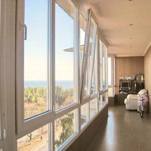 Панорамное остекление балкона под ключ