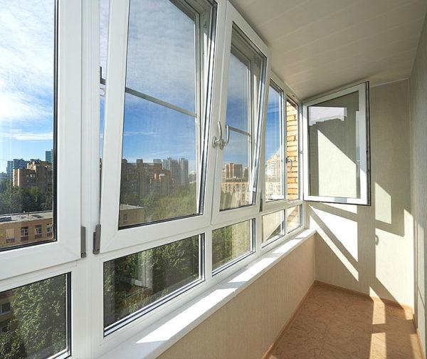 Установка евроокон КБЕ на теплый балкон с утеплением и отделкой